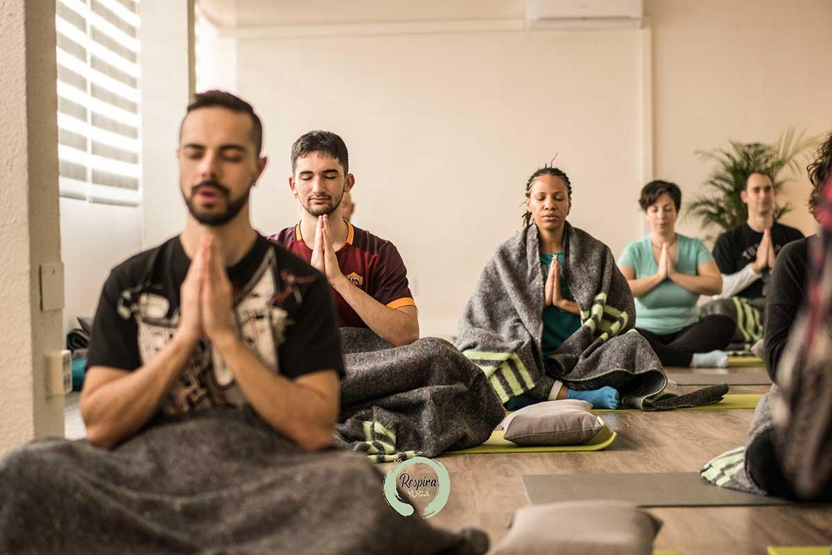 Hatha Yoga - Respira Yoga