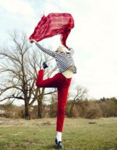 centro-de-yoga-en-mostoles-respirayoga-blog-chica-bailando